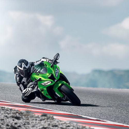 2019 Kawasaki Ninja ZX 10RR Gallery Image 2