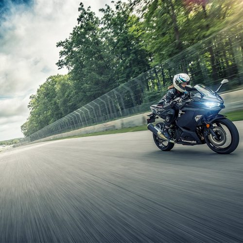 2019  Kawasaki Ninja 400 ABS Gallery Image 4