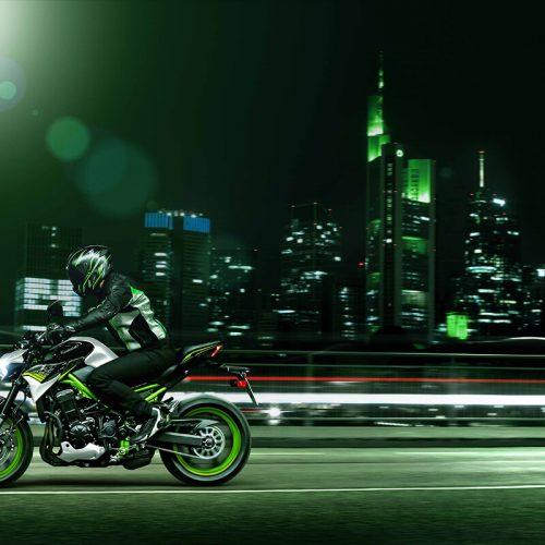 2021 Kawasaki Z900 ABS Gallery Image 2