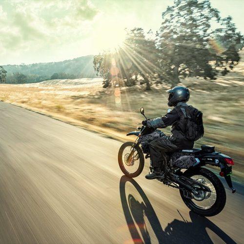 2020 Kawasaki KLX 250 CAMO Gallery Image 2