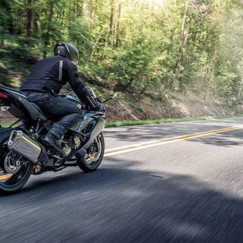 2019 Kawasaki Ninja ZX 6R ABS Gallery Image 3