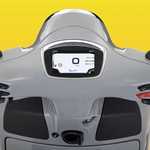 2019 Vespa GTS SUPER 300 HPE Gallery Image 2
