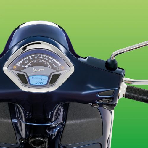 2019 Vespa GTS 300 HPE Gallery Image 2