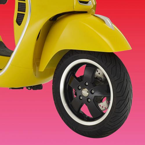2019 Vespa GTS SUPER 300 NOTTE 300 Gallery Image 1