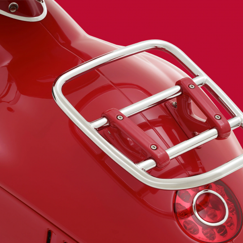 2019 Vespa (946) RED Gallery Image 2