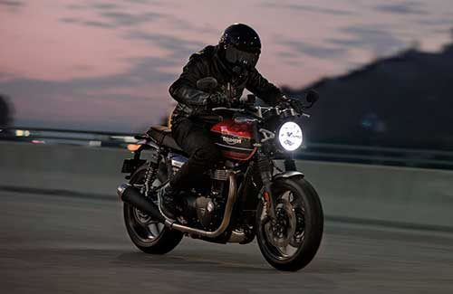 2020 Triumph Speed Twin Gallery Image 3