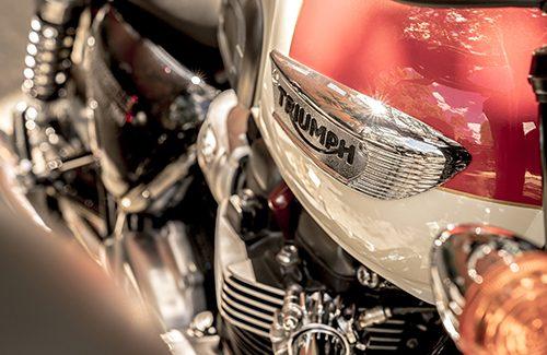 2020 Triumph Bonneville T100 Gallery Image 1