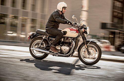 2020 Triumph Bonneville T100 Gallery Image 2