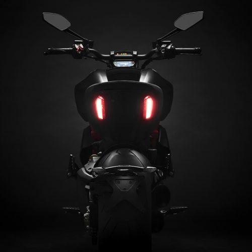 2021 Ducati Diavel 1260 S Gallery Image 2