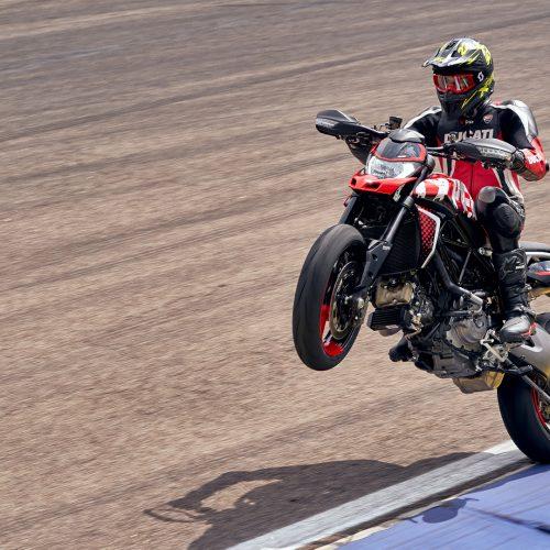 2021 Ducati Hypermotard 950 RVE Gallery Image 2