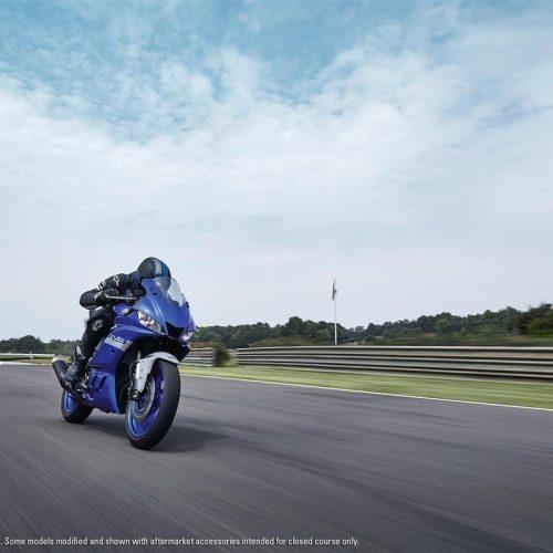 2021 Yamaha YZF-R3 Gallery Image 3