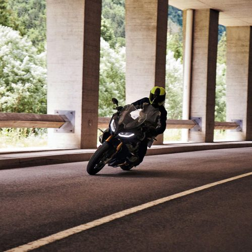 2021 BMW R 1250 RS Gallery Image 2