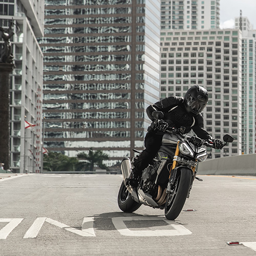 2021 Triumph 1200 RS Gallery Image 3
