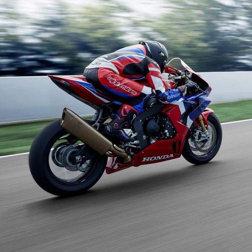 2021 Honda CBR1000RR-R FIREBLADE SP Gallery Image 2