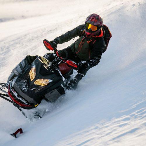 2022 Ski-Doo Summit Gallery Image 4
